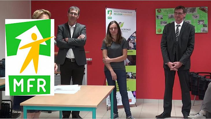 La MFR d'Escatalens avec Pierre BESNARD Préfet du Tarn et Garonne félicitait Charlène BAILLE pour sa 'mention Très Bien' au Bac Pro Mécanique @Prefet_82